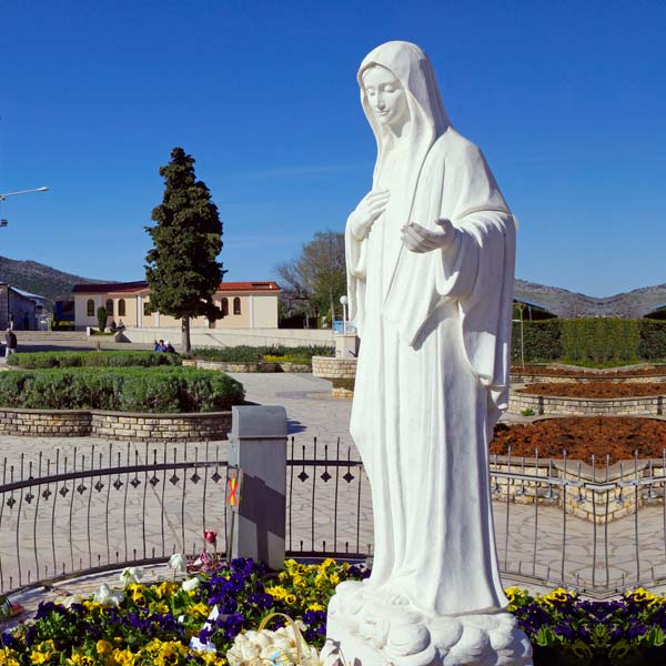 Outdoor catholic white marble madonna medjugorje mary statue for sale TCH-70